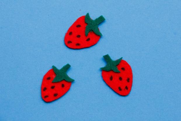 sticker - strawberry